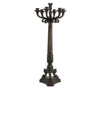Candelabro Jefferson de Eichholtz acabado de bronce gris plomo