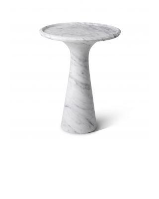 Mesa auxiliar baja Pompano de mármol de Carrara de Eichholtz