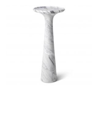 Mesa auxiliar alta Pompano de mármol de Carrara de Eichholtz